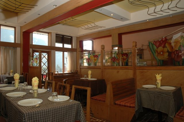 Spring Valley Resorts Mcleodganj Restaurant